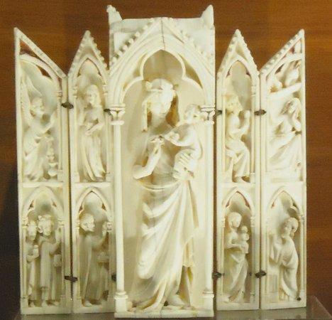 Galleria Nazionale dell'Umbria : avorio medievale