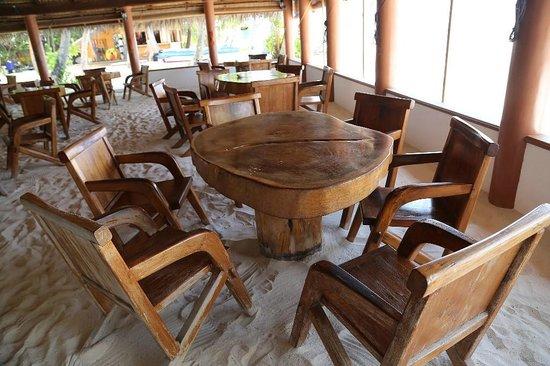 Fihalhohi Island Resort : Только босиком