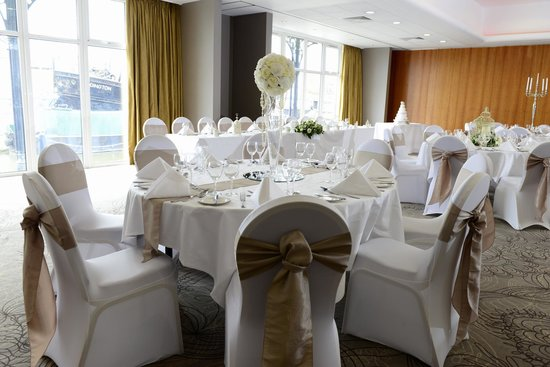 Holiday Inn Ellesmere / Cheshire Oaks: Mercer Suite set for a Wedding