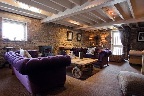 General Tarleton Restaurant: Enjoy our Cocktail Lounge