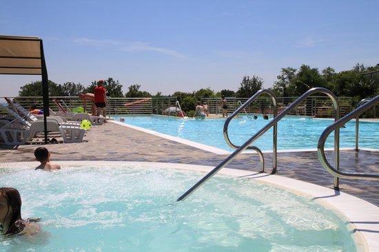 Residence Apparthotel San Sivino : The heated new wihrlpool por 12 persons