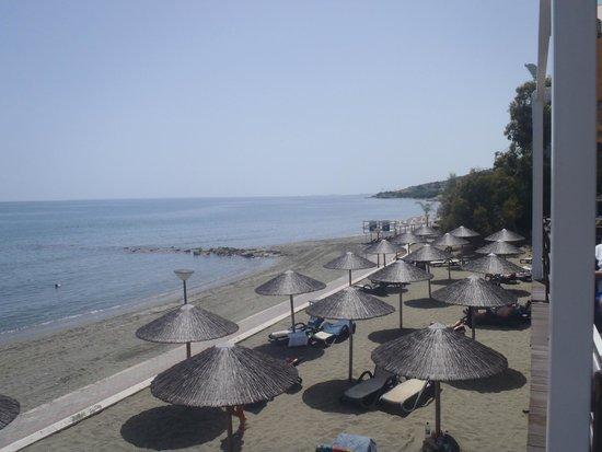 Atlantica Bay Hotel: beach view