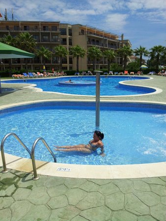 Bolero Park Apartments: The pool fantastic