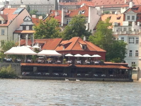 Kampa Park Restaurant : Kampa Park: view from the river