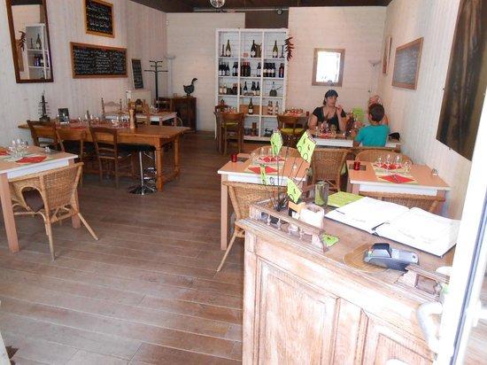 Au Vilain Petit Canard : la salle