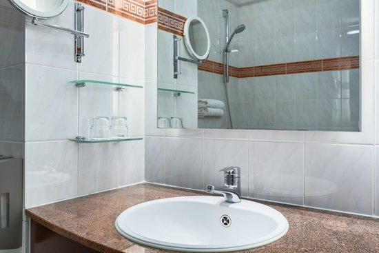NH Mechelen: Bathroom