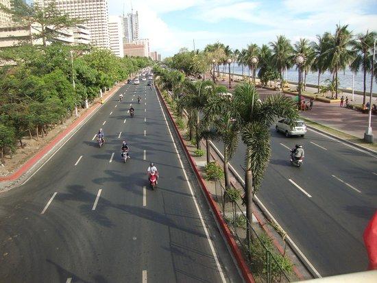 Manila Bay: Sea Front Boulevard