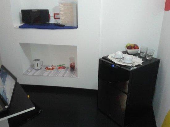 Giumbabulla Luxury House : Angolo frigo e tisane