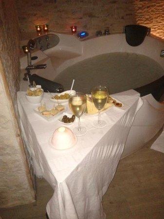 Giumbabulla Luxury House : Idromassaggio a lume di candela e aperitivo