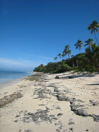 Namuka Bay Lagoon Resort: Beach