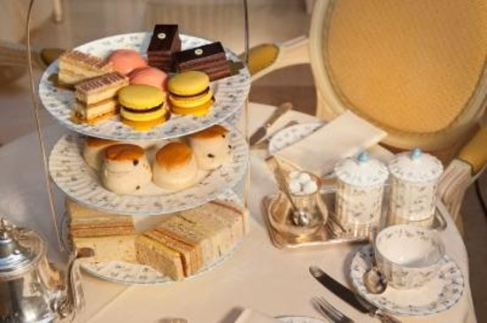 The Ritz London: Afternoon Tea in The Palm Court