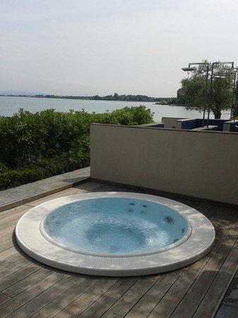 Hotel Acquaviva del Garda: Jacuzzi
