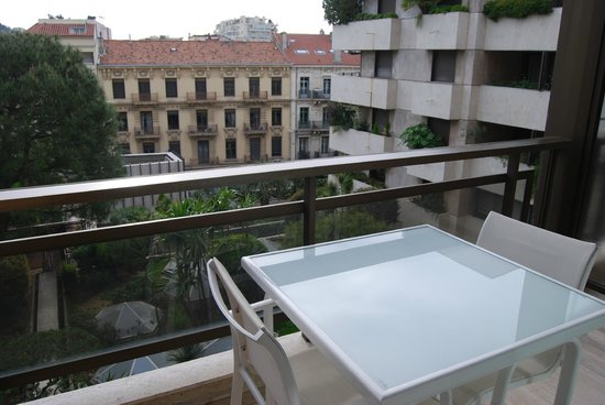 Hotel Barriere Le Gray d'Albion: Terraza