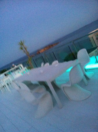 Hotel Es Vive: Dining on Roof terrace