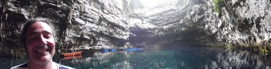 Melissani Cave: wow