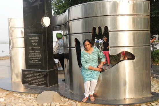 Sukhna Lake: A beautiful stainless steel structure