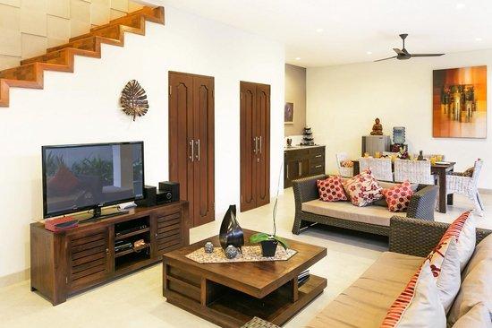 Aroha Boutique Villas: down stairs lounge