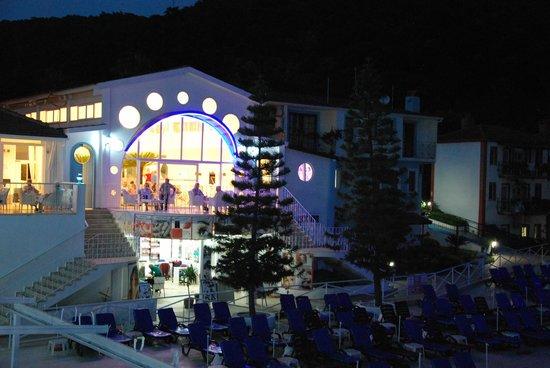 Karbel Hotel: Z tarasu