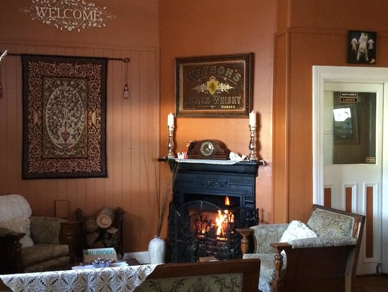 Abermain Hotel: warm fire to welcome you