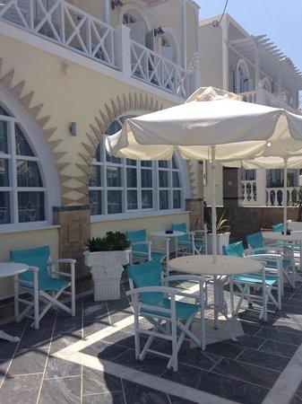 Hotel Golden Star: outside reception area
