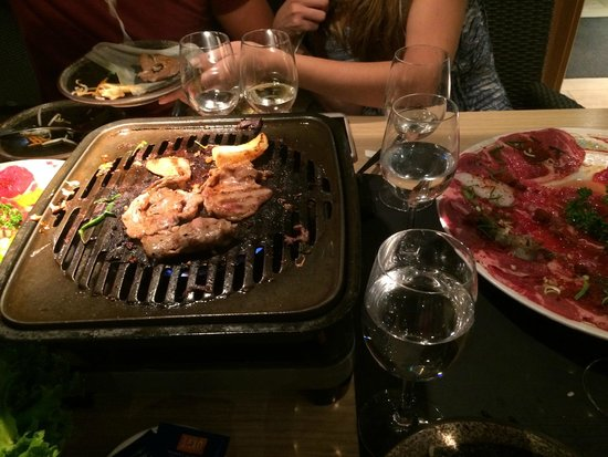 Seito Restaurant Sushi & Grill : The barbecue on the table
