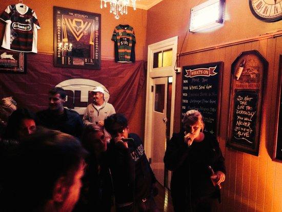 Abermain Hotel: bar area