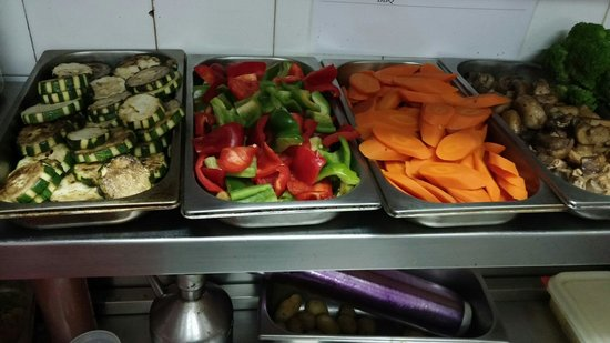 La Cucaracha-Tex Mex-Grill: Fresh veggies daily