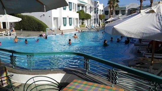 Falcon Hills Hotel: Pool