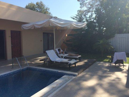 Villa Di Mare Luxury Suites : Terras bij kamer 102