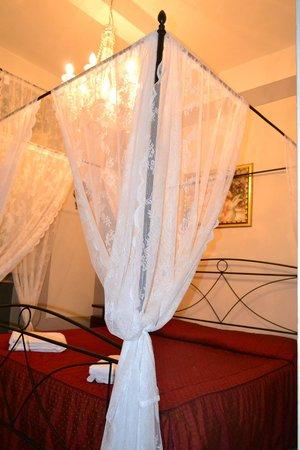 Relais Centro Storico Residenza D'Epoca: Bed-room