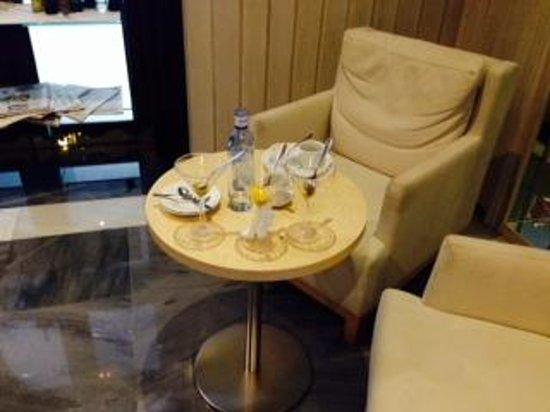 Hotel Fuerte Marbella: лаундж ассортимент