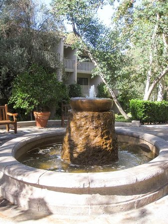 Rancho Bernardo Inn: One of Many Fountains