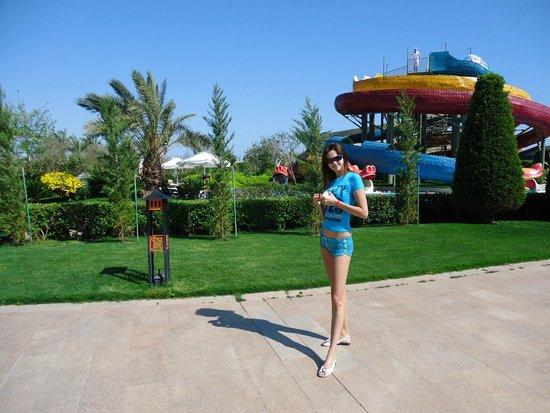 Limak Lara De Luxe Hotel&Resort: Маленькая горка для детей
