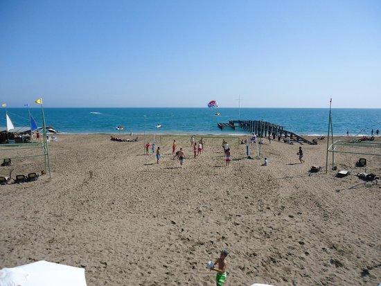 Limak Lara De Luxe Hotel&Resort: Отельный пляж