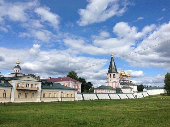 Iver Svyatoozersky Monastery : Иверский монастырь, подворье