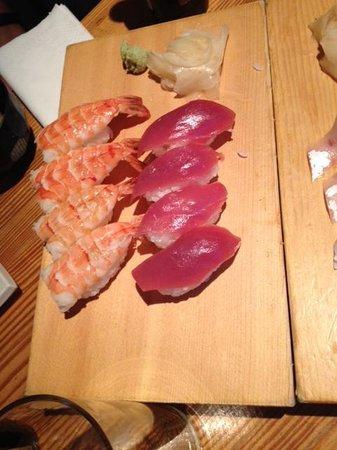 Yamayu Santatsu : sushis thon, crevette
