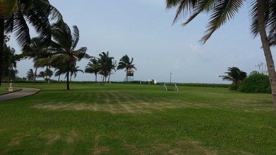 Taj Exotica Goa: FOOTBALL FIELD
