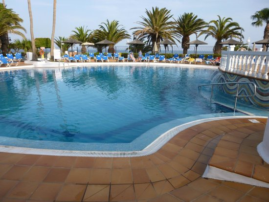 Sol Lanzarote All Inclusive: !st pool