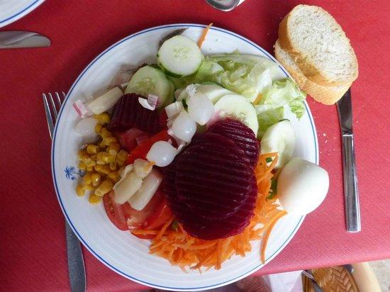 Hostal Mar y Huerta: A possible salad meal