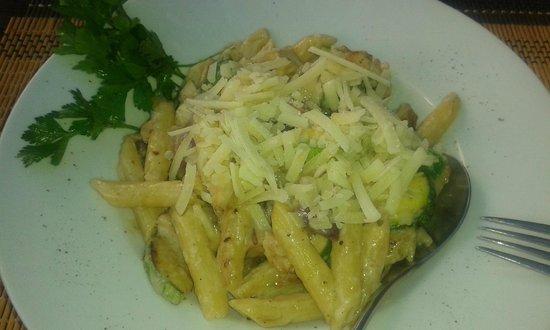 Jack's Restaurant : penne +vegetable + chicken