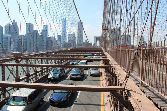 Puente de Brooklyn: Вид на дорогу