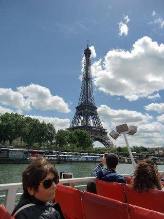 La Seine : クルーズから眺めたエッフェル塔