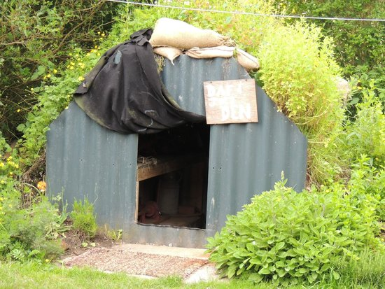 Laugharne, UK: Anderson Shelter