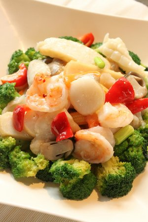 EC Kitchen: Seafood with Broccoli