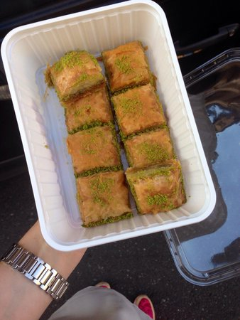Alims Fischimbiss: Best baklava outside turkey