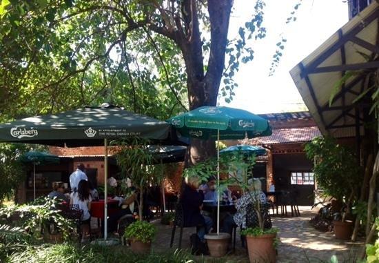 Cafe Mandala : terrace seating