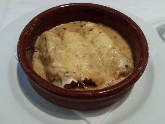 RESTAURANTE - HOTEL PICASSO: Canelones de pescado - Menú Restaurant PICASSO (Torroella de Montgrí)