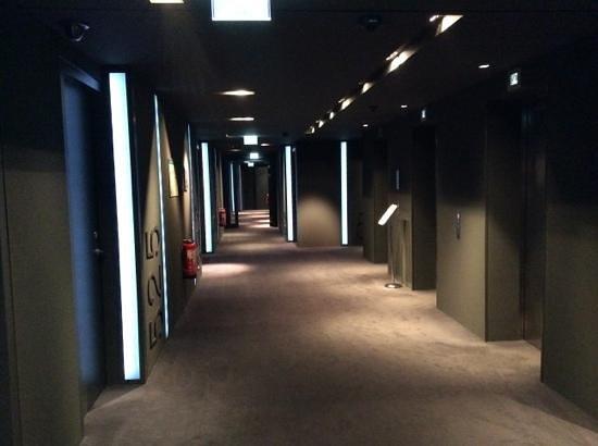 SANA Berlin Hotel: διάδρομος 5ου ορόφου