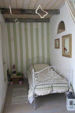 La Luna di Quarazzana: My lovely artists' room!