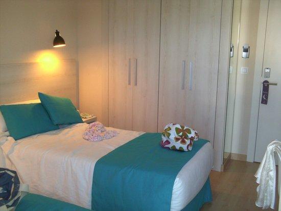 ALEGRIA Maripins: twin room